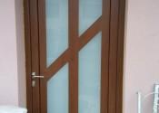 Standard al ulazna vrata sa satinato matiranim staklom u dekoru orah