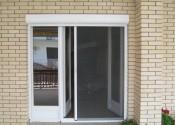Pvc balkonska vrata sa al roletnom i plisse komarnikom