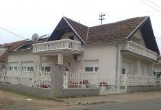Porodična kuća 7