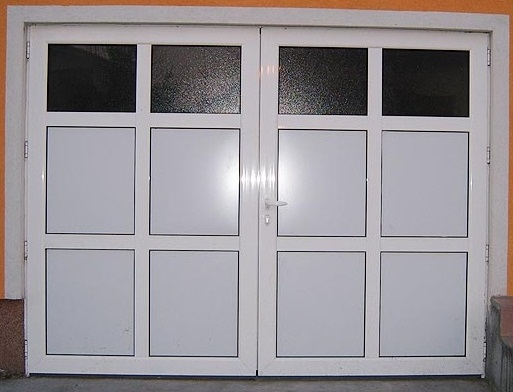 Alu garažna vrata sa prečkama